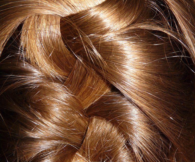 Cómo lograr un peinado recogido en pocos pasos