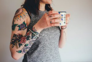 Las técnicas más comunes para borrar tatuajes