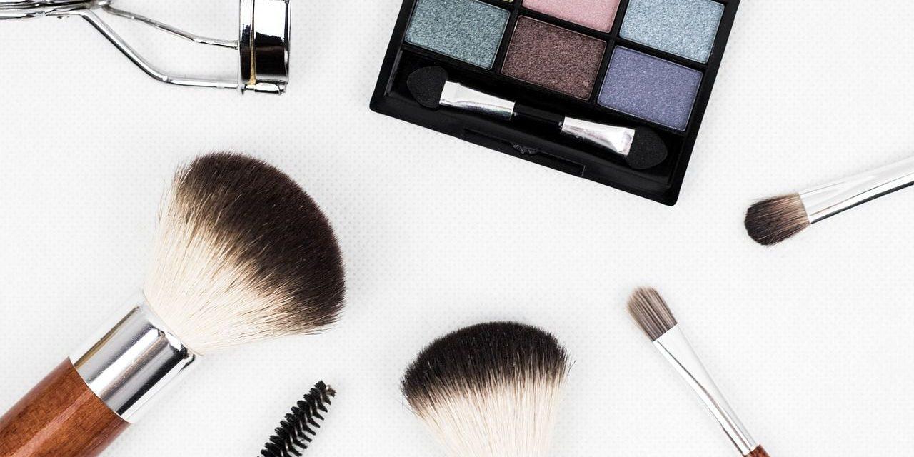 Los 10 cosméticos low cost que no deben faltar en tu tocador
