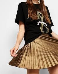 tendencias de moda otoño invierno falda metalizada
