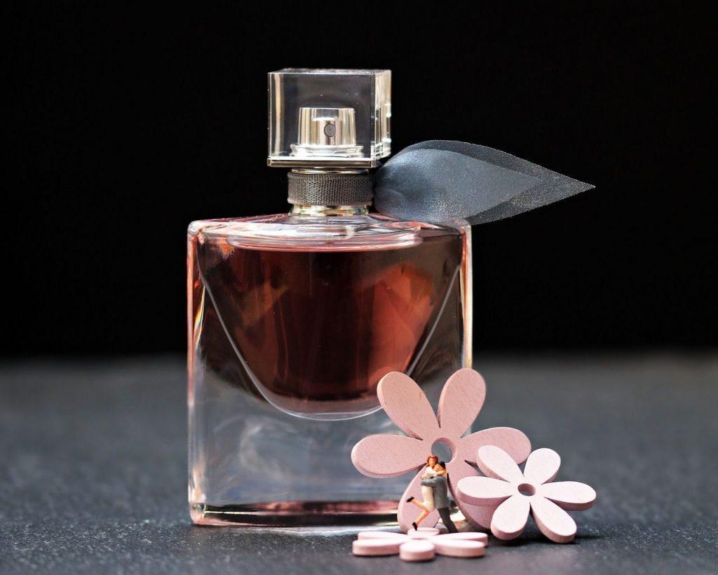 Cómo lograr que tu perfume dure más tiempo