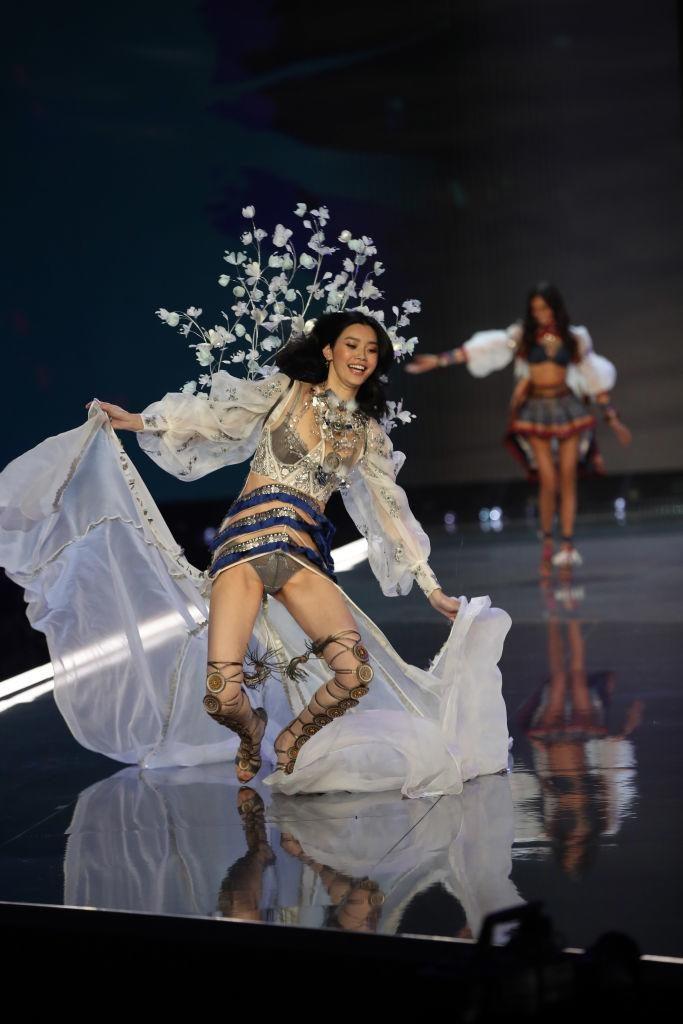 Victoria's Secret Fashion Show modelo 1