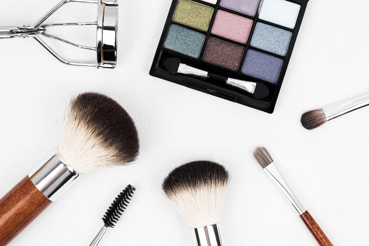 6-tips-para-que-tu-maquillaje-dure-todo-el-día-o-toda-la-noche3-compressor