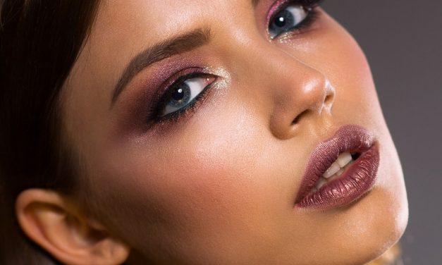 4 tips para que utilices correctamente el iluminador en tu rostro