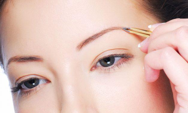 Olvida todo lo que sabías: vuelven las cejas ultradelgadas al top de la belleza